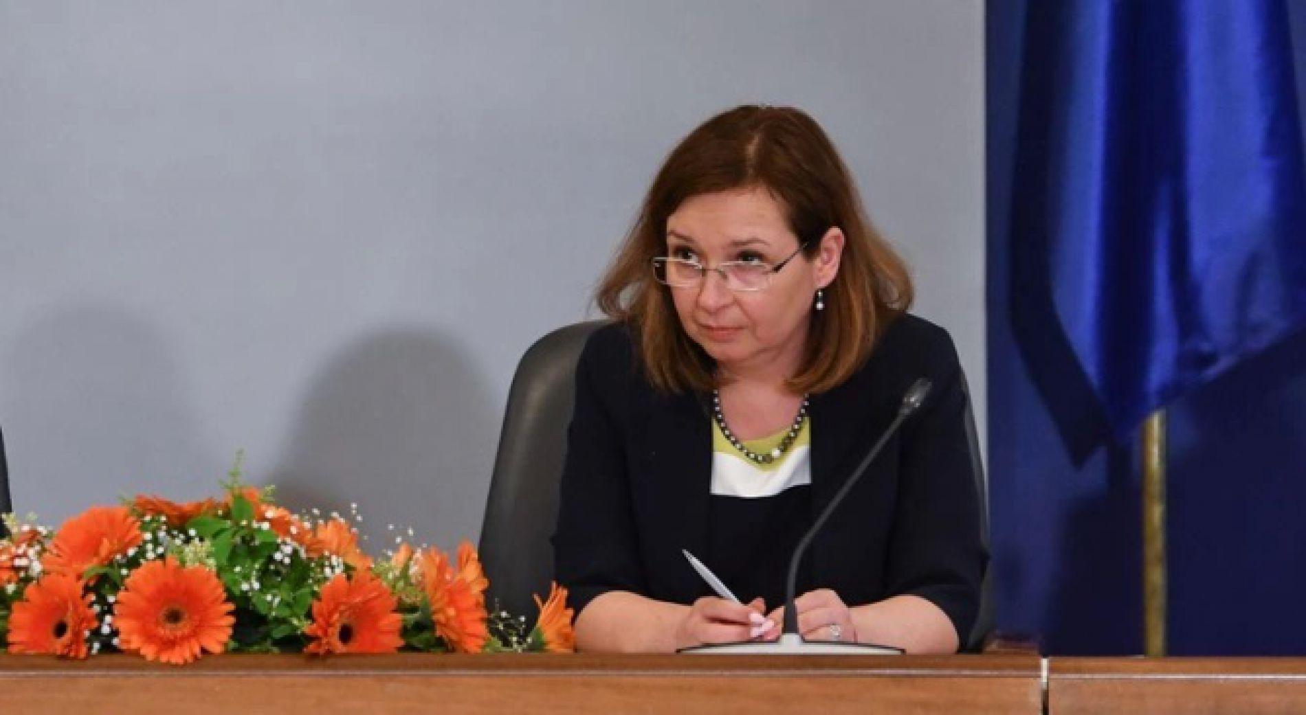 Зорница Русинова: Правителството определено има план за преодоляване на кризата