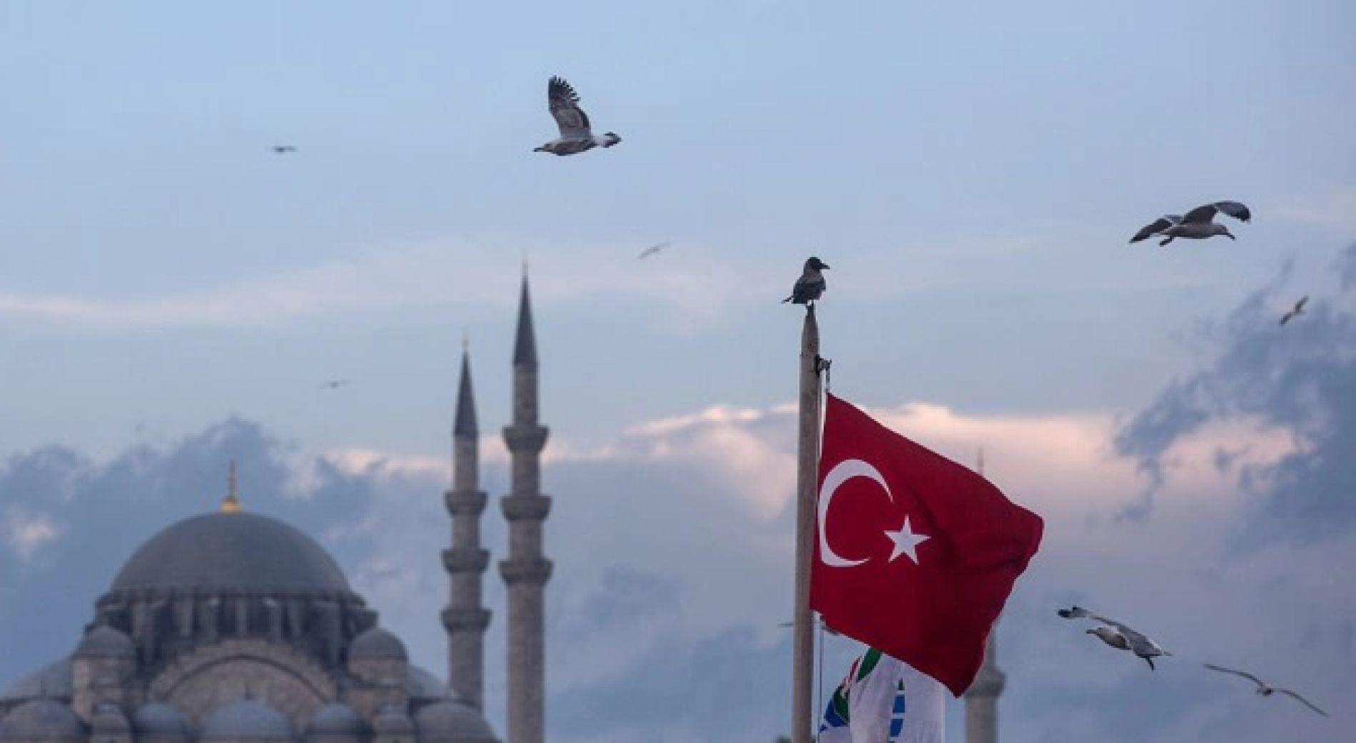Турция планира да отвори търговски центрове на 11 май